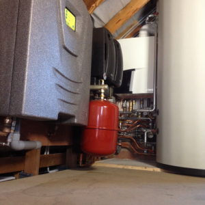 Zonneboiler acv hybride systeem met atag gascondensatieketel.