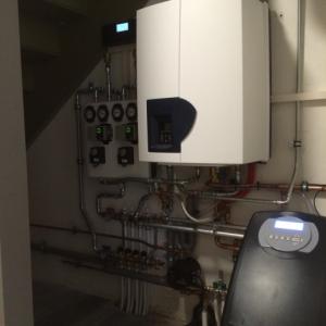 VerwarmingATAG gascondensatieketel met radiatoren en vloerverwarming